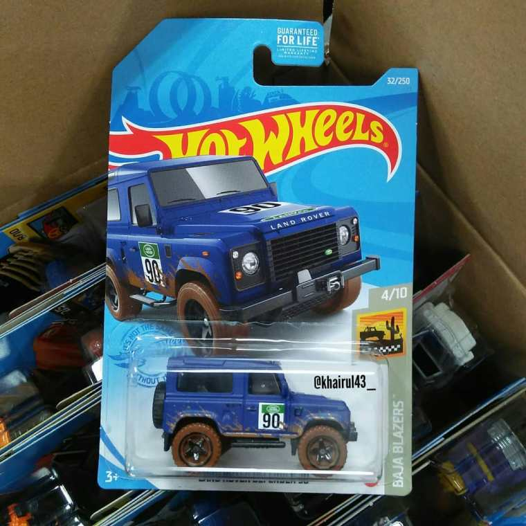Hot-Wheels-Mainline-2021-Land-Rover-Defender-90-001