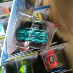 Hot-Wheels-Super-Treasure-Hunt-2021-Datsun-510-004