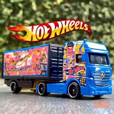 Hot-Wheels-Track-Stars-2021-Mercedes-Benz-Actros-001