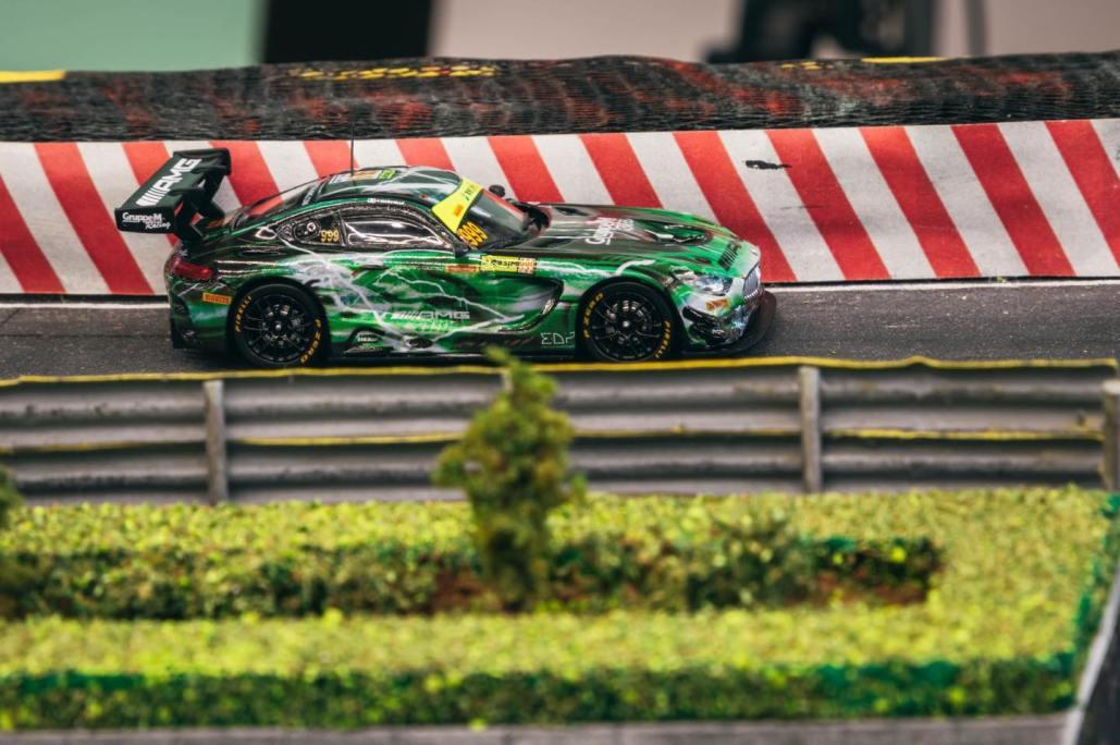 Tarmac-Works-Mercedes-Benz-AMG-GT3-GruppeM Racing-001