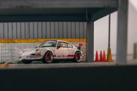 Tarmac-Works-Porsche-RWB-Backdate-003