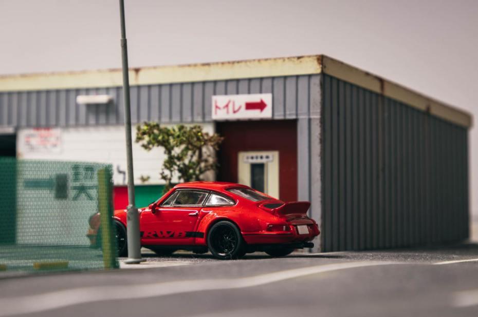 Tarmac-Works-Porsche-RWB-Backdate-005