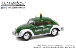 GreenLight-Collectibles-Club-Vee-Dub-Series-13-Volkswagen-Beetle-Copenhagen-Denmark-Airport-Police