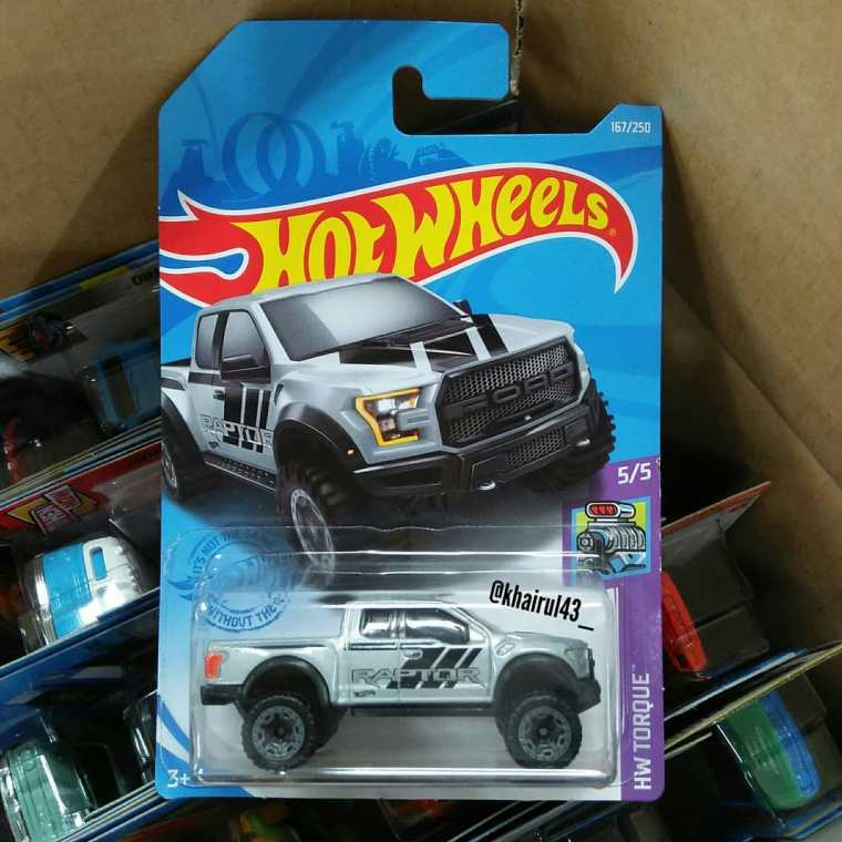 Hot-Wheels-Mainline-2021-17-Ford-F-150-Raptor-001
