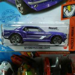 Hot-Wheels-Mainline-2021-67-Ford-Mustang-Coupe-002