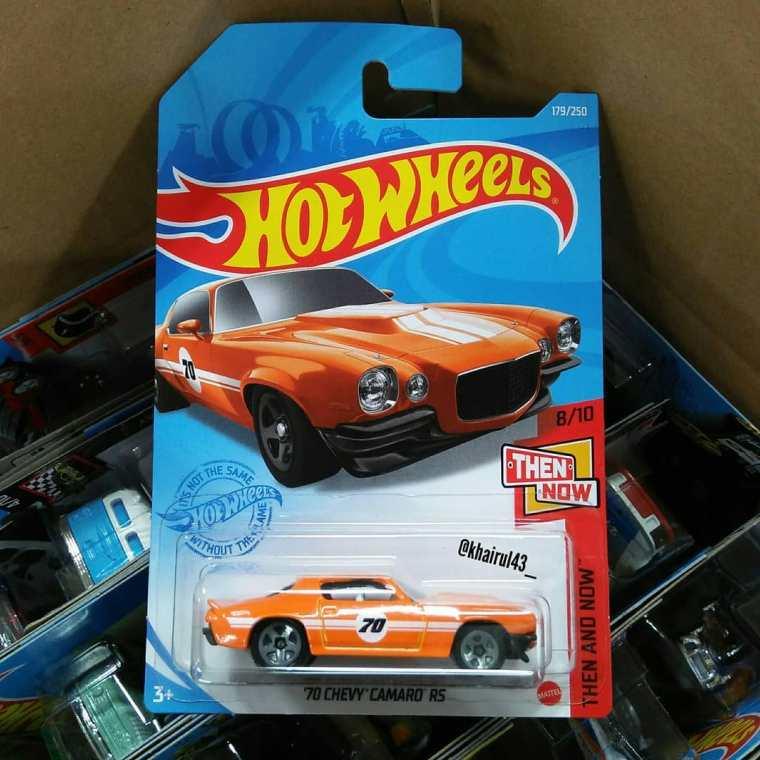 Hot-Wheels-Mainline-2021-70-Chevy-Camaro-RS-001