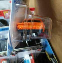 Hot-Wheels-Mainline-2021-70-Chevy-Camaro-RS-004