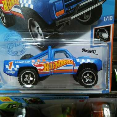 Hot-Wheels-Mainline-2021-87-Dodge-D100-002