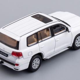 Hobby-Japan-Minicar-Project-Toyota-Land-Cruiser-200-blanc-007