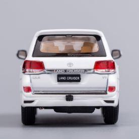 Hobby-Japan-Minicar-Project-Toyota-Land-Cruiser-200-blanc-013