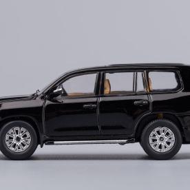 Hobby-Japan-Minicar-Project-Toyota-Land-Cruiser-200-noir-016