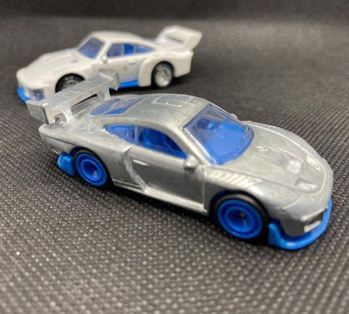 Hot-Wheels-2022-Porsche-935-010