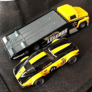 Hot-Wheels-Custom-Corvette-Stingray-Coupe-Carry-On-003