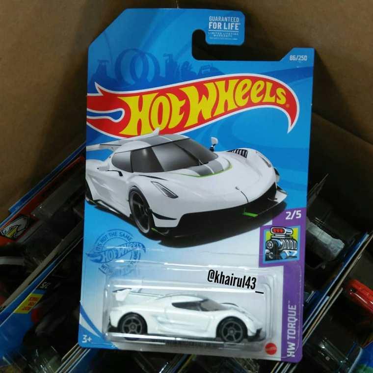 Hot-Wheels-Mainline-2021-2020-Koenigsegg-Jesko-001