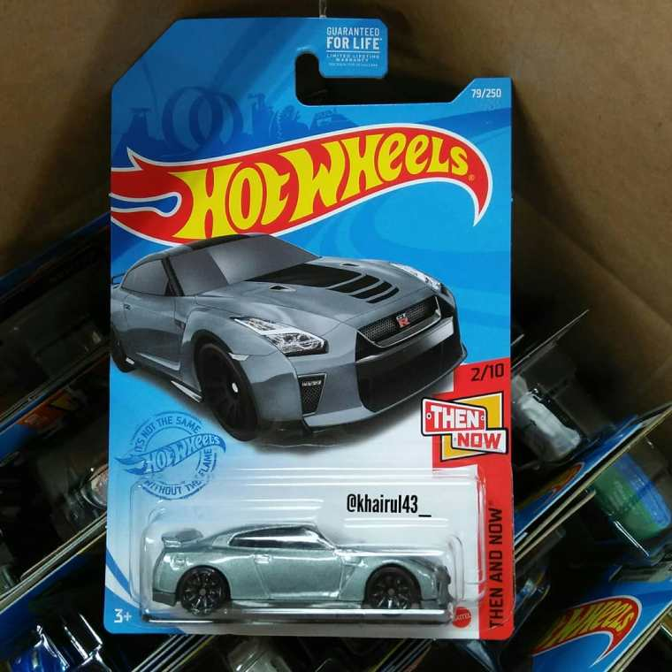 Hot-Wheels-Mainline-2021-Nissan-GT-R-R35-01