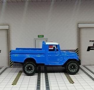 Hot-Wheels-Mainline-2021-Toyota-Land-Cruiser-FJ45-Pickup-002