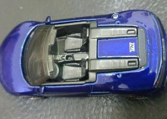 Hot-Wheels-Mainline-Super-Treasure-Hunt-2021-2019-Audi-R8-Spyder-005