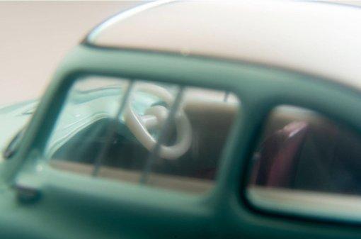 Tomica-Limited-Vintage-Neo-Subaru-360-vert-clair-006