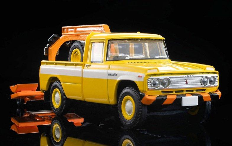 Tomica-Limited-Vintage-Neo-Toyota-Stout-Wrecker-Jaune-002