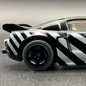 Hot-Wheels-2021-Speed-Blur-5-Pack-Mustang-001