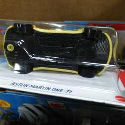 Hot-Wheels-Mainline-2021-Aston-Martin-One-77-006