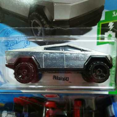 Hot-Wheels-Mainline-2021-Tesla-Cybertruck-002