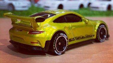 Hot-Wheels-ID-2021-2016-Porsche-911-GT3-RS-003