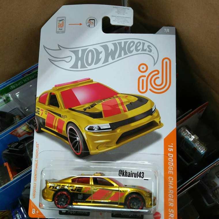 Hot-Wheels-Mainline-2021-15-Dodge-Charger-SRT-ID-001