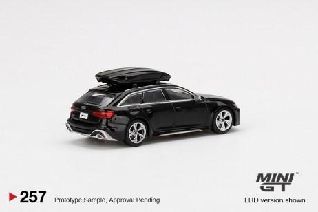 Mini-GT-Audi-RS-6-Avant-Mythos-Black-Metallic-002