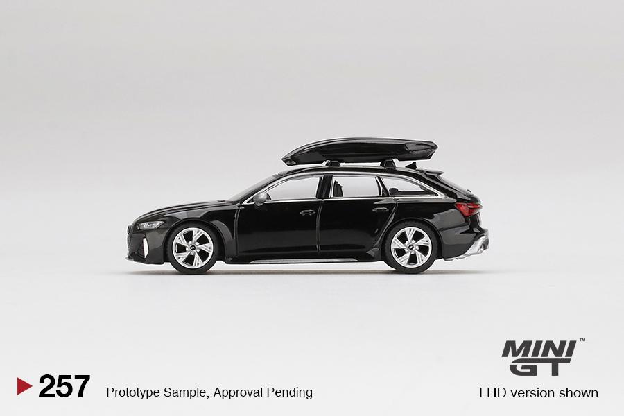 Mini-GT-Audi-RS-6-Avant-Mythos-Black-Metallic-003