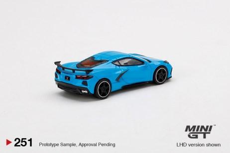 Mini-GT-Chevrolet-Corvette-Stingray-Rapid-Blue-002