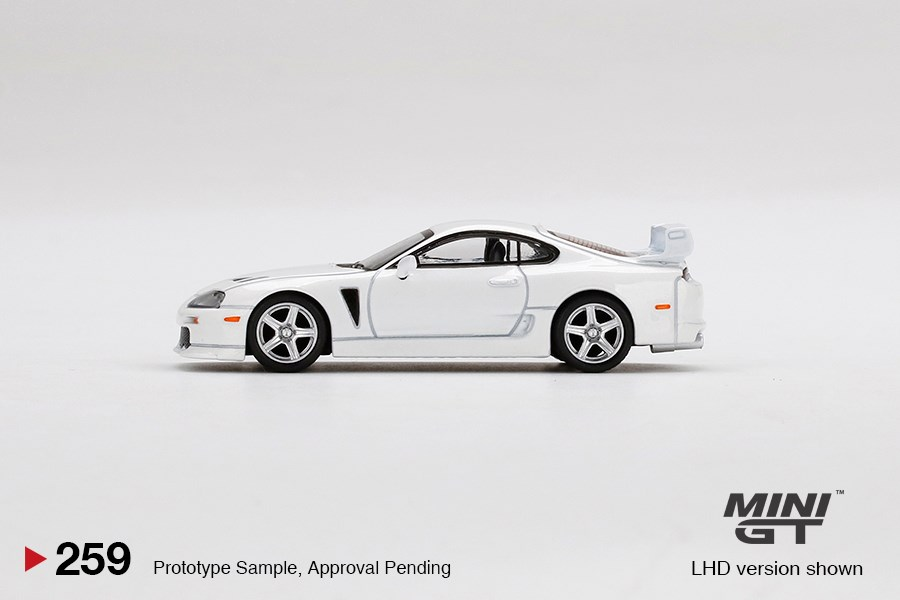 Mini-GT-Toyota-TRD-3000GT-Super-White-003