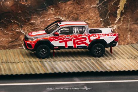 Tarmac-Works-Toyota-Hilux-TRD-Team-Thailand-001