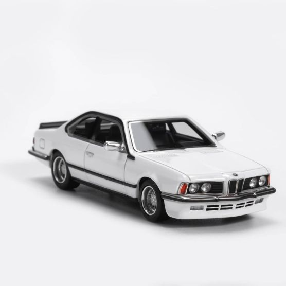YM-Model-BMW-635-CSi-Blanche-004