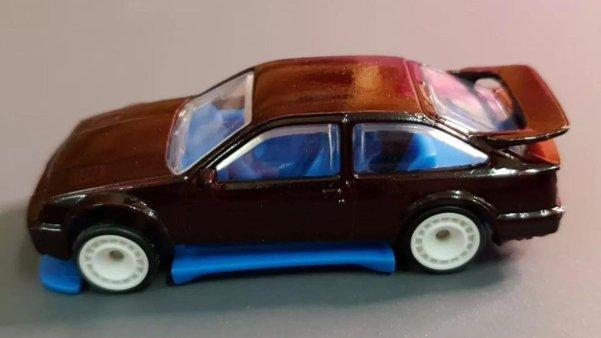 Hot-Wheels-87-Ford-Sierra-Cosworth-003