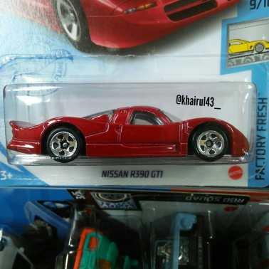 Hot-Wheels-Mainline-2021-Nissan-R390-GT1-002