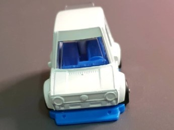 Hot-Wheels-Tooned-VW-Golf-Mk1-003