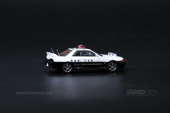 Inno64-Nissan-Skyline-GT-R-R32-Japanese-Police-car-003