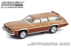 GreenLight-Collectibles-Estate-Wagons-7-1976-Pontiac-Grand-LeMans-Safari