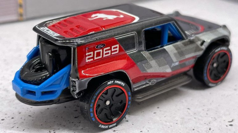 Hot-Wheels-ID-Ford-Bronco-R-Baja-Racer-002