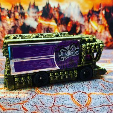 Hot-Wheels-Raijin-Express-Hells-Dept-003