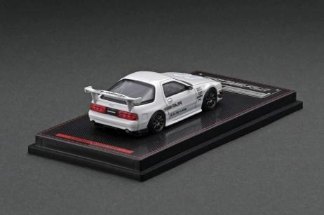 Ignition-Model-Mazda-RX-7-FC3S-RE-Amemiya-White-With-Mr-Amemiya-002