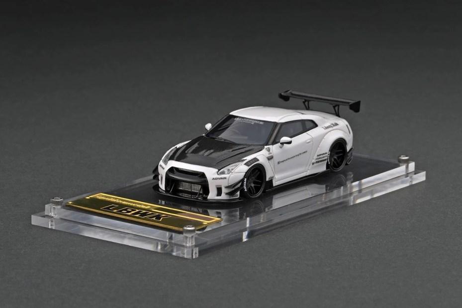 Ignition-Model-Resin-LB-Works-Nissan-GT-R-R35-type-2-White-001