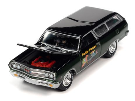 Johnny-Lightning-Muscle-Cars-USA-2021-Release-3-1965-Chevy-Chevelle-Wagon-Turtle-Wax