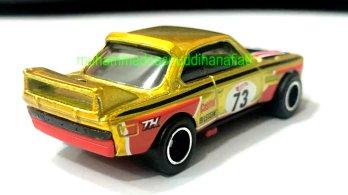 Hot-Wheels-2022-Super-Treasure-Hunt-BMW-3-CSL-Race-Car-003