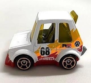 Hot-Wheels-Mainline-2022-Tooned-Volkswagen-Golf-Mk1-005