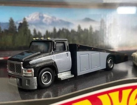Hot-Wheels-Mercedes-Benz-Diorama-Set-006