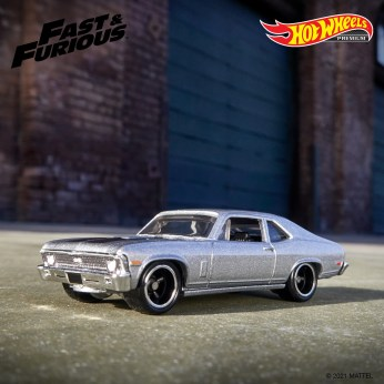 Hot-Wheels-Premium-Fast-And-Furious-Fast-Superstars-005