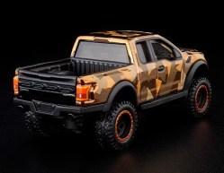 Hot-Wheels-Red-Line-Club-2021-Ford-F-150-Raptor-Camo-004