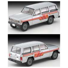 Tomica-Limited-Vintage-Neo-Nissan-Safari-Patrol-Extra-Van-DX-Argent-002